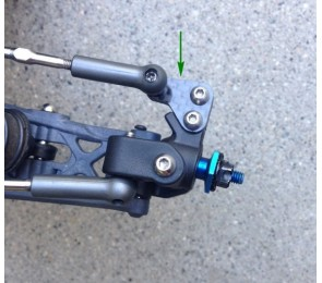 B6.1 Carbon Steering Arms, Type 1